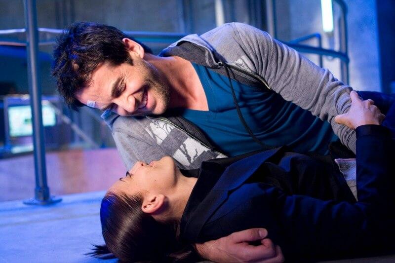 EUREKA Glimpse 4x13 Niall Matter as Zane Donovan Erica Cerra as Jo Lupo Syfy