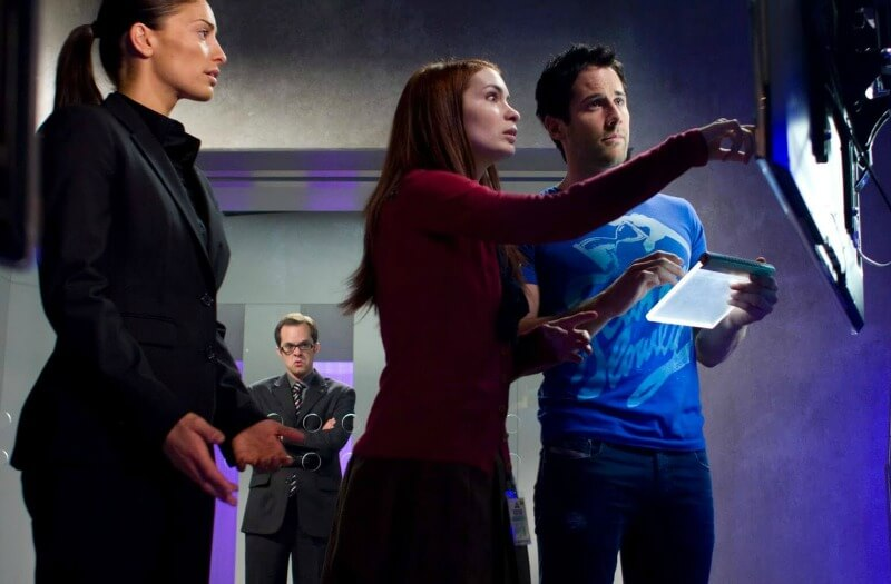 EUREKA Reprise 4x12 Erica Cerra as Jo Lupo Niall Matter as Zane Donovan Felicia Day as Holly Marten Syfy