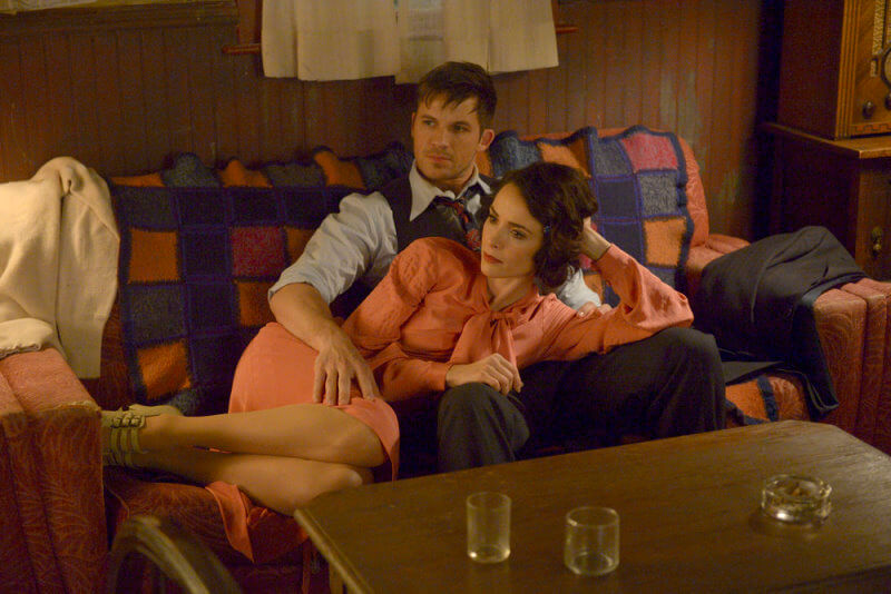 TIMELESS Last Ride of Bonnie Clyde 1x09 Abigail Spencer as Lucy Preston Matt Lanter as Wyatt Logan UniversalNBC